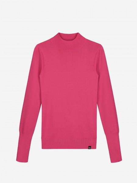Roze top met hoge halslijn