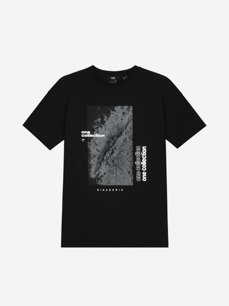T-SHIRT WITH ARTWORK