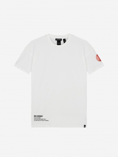 T-shirt with round logo patch
